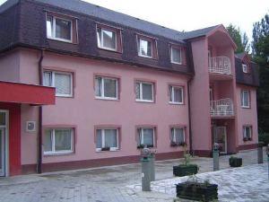 安妮 - 瑪麗早餐酒店(Garni Hotel Anne-Mary)