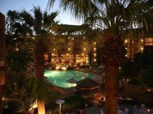 圖森麗笙套房酒店(Radisson Suites Tucson)