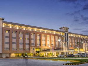 羅伊斯賭場酒店(Royce Hotel & Casino)