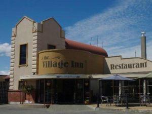 村酒店(The Village Inn Hotel)
