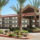 華美達坦佩亞利桑那米爾斯購物中心酒店(Ramada Tempe at Arizona Mills Mall)