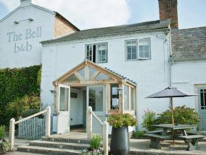奧爾德明斯特貝爾住宿加早餐旅館(The Bell, Alderminster)