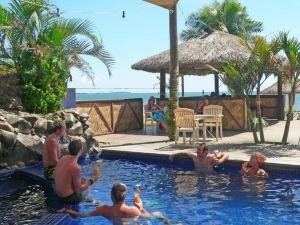 蛇頭灣海灘度假酒店(Smugglers Cove Beach Resort and Hotel)