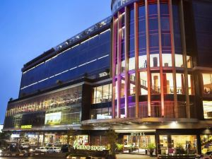 三寶攏大邊酒店(Grand Edge Hotel Semarang)