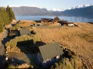 峽灣住宿(Fiordland Lodge)