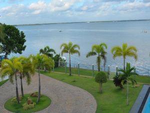 彩虹湖別墅酒店(Rainbow Lagoon Villa)