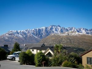 皇后鎮阿爾派恩套房住宿加早餐旅館(Alpine Suites Queenstown)