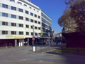中央酒店(Centrale Hotel)