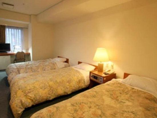 池袋皇家酒店(Ikebukuro Royal Hotel)三人房
