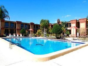 佛羅里達購物中心伊克諾套房旅館(Econo Lodge Inn & Suites Florida Mall)