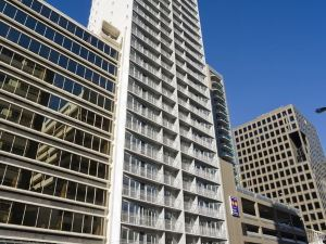 巴克萊套房酒店(Barclay Suites)