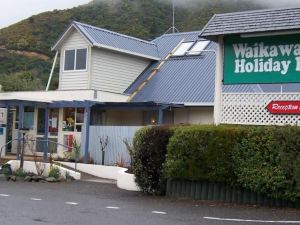 懷卡瓦灣度假公園汽車旅館(Picton's Waikawa Bay Holiday Park and Park Motels)