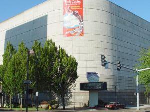 尤金市中心百老匯汽車旅館(Broadway Inn Downtown Eugene)