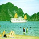 下龍灣金蓮花號經典游輪(Golden Lotus Classic Cruise Ha Long Bay)