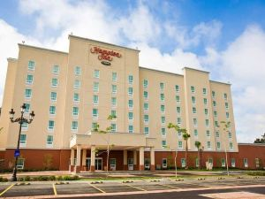 希爾頓瓜達拉哈拉 - 厄如普特歡朋酒店(Hampton Inn by Hilton Guadalajara-Aeropuerto)