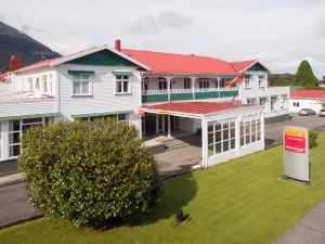 福克斯冰河心田酒店(Heartland Hotel Fox Glacier)