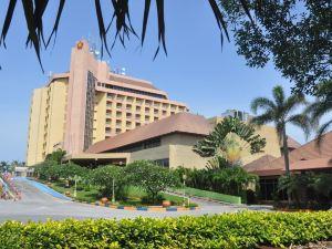 普利姆勒海灘酒店(Primula Beach Hotel)