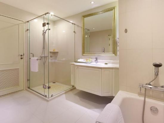 曼谷拉查丹利中心酒店(Grande Centre Point Ratchadamri Bangkok)高級四人套房
