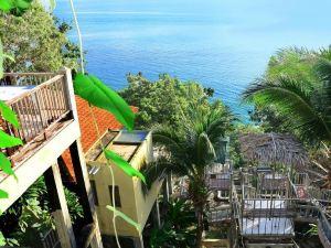 藍山海灘度假酒店(Blue Hill Beach Resort)