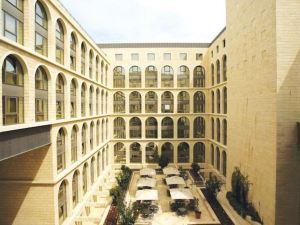 科特大酒店(Grand Court Hotel)