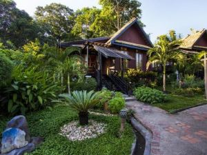 瑯勃拉邦札薩維度假酒店及水療中心(Chanthavinh Resort and Spa Luang Prabang)