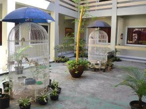 內部旅行的皇家及套房酒店(The Royale House Travel Inn & Suites)