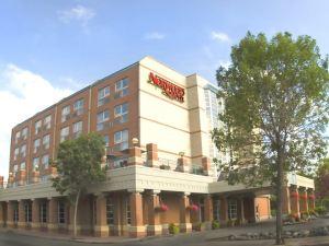 諾伍德酒店(Norwood Hotel)