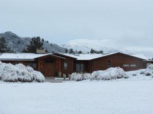 瓦娜卡湖避風港旅館住宿(Wanaka Haven Lodge Accommodation)