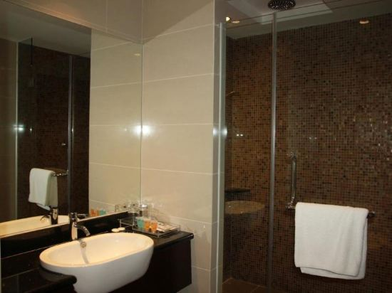 哥打京那巴魯六十三酒店(Hotel Sixty3 Kota Kinabalu)家庭豪華房