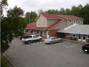 希爾福德酒店及套房(Silverwood Inn & Suites)