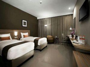 日惹奎因斯德拉克森頓酒店(De Laxston Hotel Jogja by Quin's)