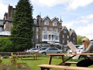 斯特拉斯莫爾石堆紀念碑酒店(Cairn Hotel)