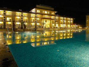 博卡拉海濱度假村(Waterfront Resort Pokhara)