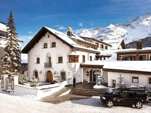 賈爾迪諾山酒店(Hotel Giardino Mountain)
