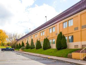 克拉麗奧套房博覽會場酒店(Clarion Inn & Suites Fairgrounds)