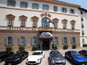 美地奇谷格蘭德酒店-全球杰出酒店聯盟成員(Grand Hotel Villa Medici - The Leading Hotels of the World)