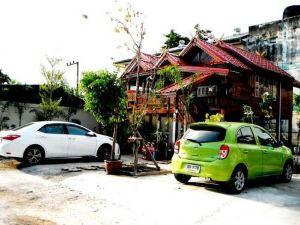 素克索姆亞酒店(Suksomjai Hotel)