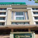 新寺廟鎮酒店(Hotel New Temples Town)