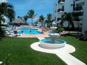 拉斯皮拉斯帝國酒店(Imperial Las Perlas Hotel)