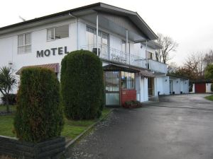 阿德菲汽車旅館(Adelphi Motel)