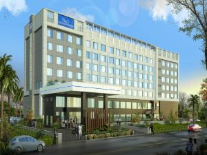 阿格拉水晶納薩諾瓦高級酒店(Crystal Sarovar Premiere Agra)