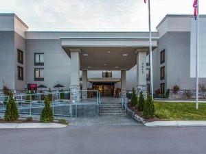 納什維爾機場品質酒店(Quality Suites Nashville Airport)