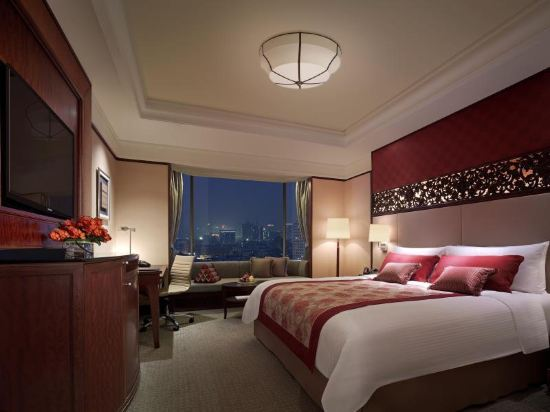 曼谷香格里拉酒店(Shangri-La Hotel Bangkok)香格里拉樓豪華河景客房