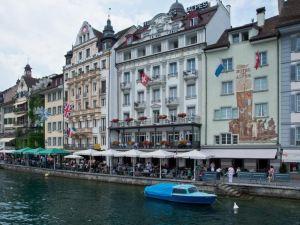 阿爾卑斯黛絲酒店(Hotel Des Alpes)