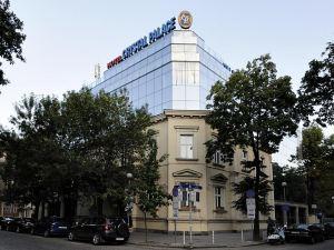 水晶宮精品酒店(Crystal Palace Boutique Hotel)