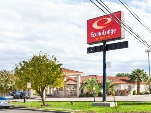 伊克諾旅館加嘉年華公園套房(Econo Lodge Inn & Suites Fiesta Park)