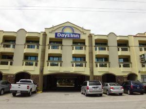 戴斯塔穆寧酒店(Days Inn Tamuning)