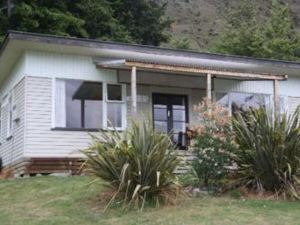 哈威亞湖假日公園小屋(Lake Hawea Holiday Park Cabins)
