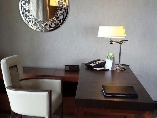 新加坡費爾蒙酒店(Fairmont Singapore)行政房