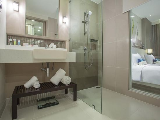 芭堤雅海洋度假美居酒店(Mercure Pattaya Ocean Resort)海景豪華特大床房